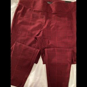 Red plaid slim fix pixie pants
